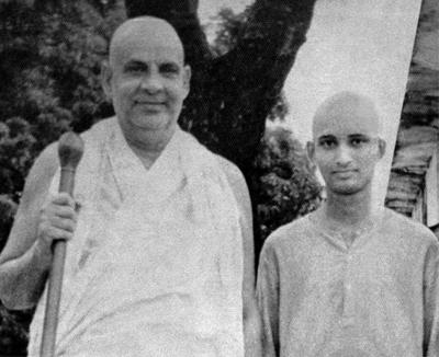 HH Swami Sivananda & Young Swami Jyotirmayananda