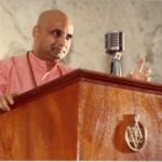 Swami Jyotirmayananda Giving a Lecture